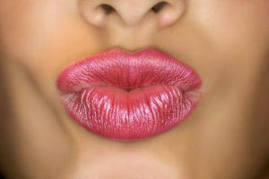 puckered lips